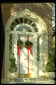 Old House Holidays--photo from Oitgn.com