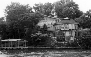 Johnny cash and the lake house mystery old house web blog for Johnny cash house hendersonville tn