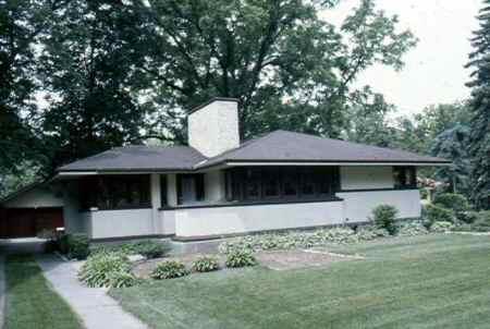 Frank Lloyd Wright Styles prairie style house, 1900-1920 | old house web