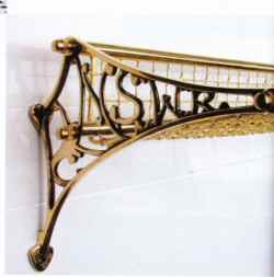 Bathroom Accessories: Victorian Elegance