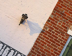 Painting The Brick Exterior Of Your House Just Before You Put Up A For Sign May Not Be Best Move There Are Lots People Living Hily In